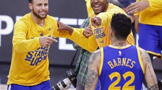 Nba: Golden State vola in finale