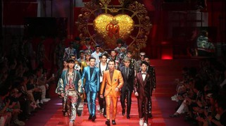 Dolce & Gabbana, sfilano i Millennial. Figli e nipoti di vip in passerella