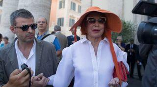 Carla Fendi, ai funerali il gotha di moda, tv e politica