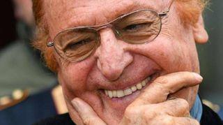 Renzo Arbore, 80 anni a ritmo di swing