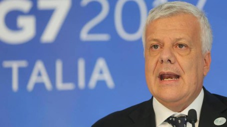 Il ministro dell'Ambiente, Gian Luca Galletti (Ansa)