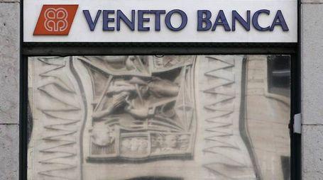 Una filiale di Veneto Banca (Ansa)