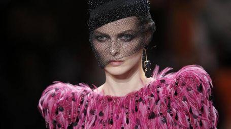 Parigi, l'alta moda di Armani Privé (Afp)