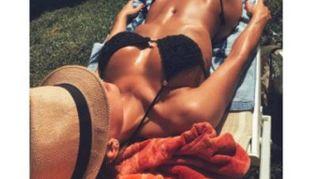 Anna Tatangelo, l'estate è bollente (come sempre)