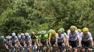 Tour de France 2017, tappa 18: trionfa Barguil. Froome sempre più in giallo