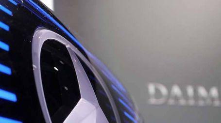 Daimler: utile sale a 2,5 miliardi
