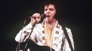Elvis, 40 anni fa moriva la stella del rock'n'roll