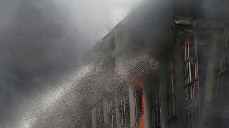 Russia, grande incendio a Rostovo