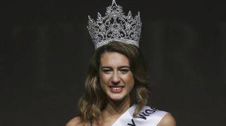 Miss Turchia perde la corona, Itir Esen punita per un tweet
