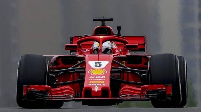F1 Gp Cina 2018, Vettel in pole. Kimi secondo, prima fila Ferrari. La griglia di partenza