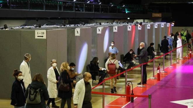 Covid, il Mandela Forum di Firenze supera il traguardo delle 10mila vaccinazioni - La Nazione
