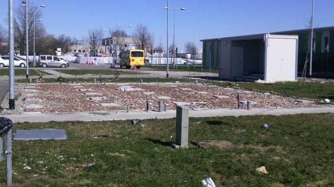 L'area di via 29 Maggio dove prosegue lo smantellamento dei Moduli Abitativi Provvisori