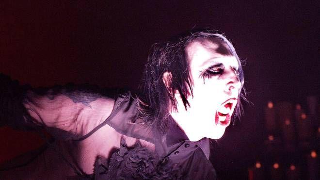 Marilyn Manson scatenato sul palco