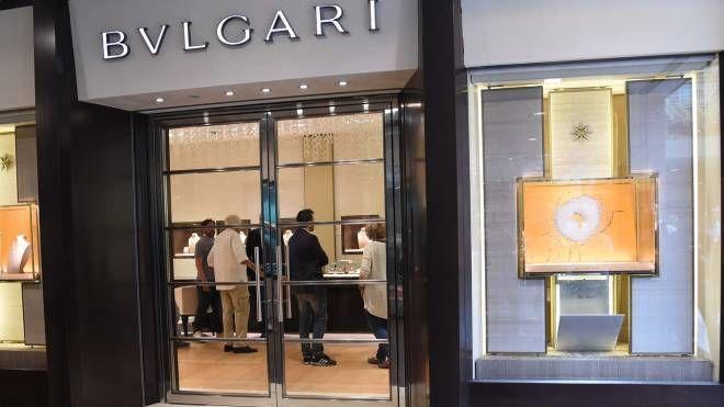 Colpo da Bulgari in Galleria Cavour (foto Schicchi)