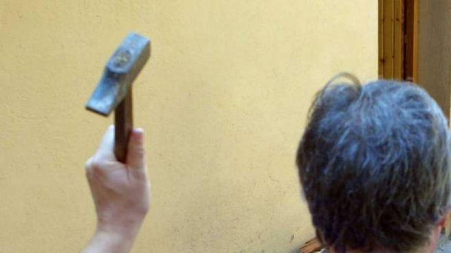 Aggressione con un martello (Foto di repertorio)