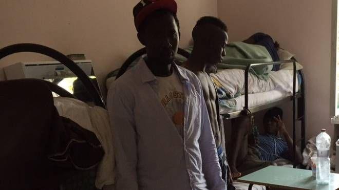 Dentro una delle camere dei profughi