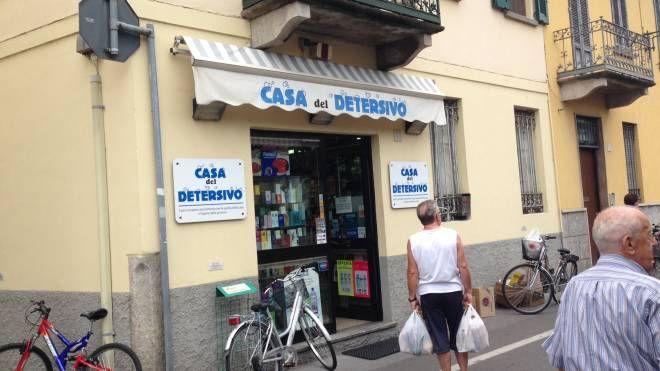 Il negozio in cui è avvenuto il furto a Crema