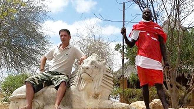 Andrea Maffei in uno scatto in Kenya postato sulla sua pagina Facebook. Il tour operator viveva a Watamu