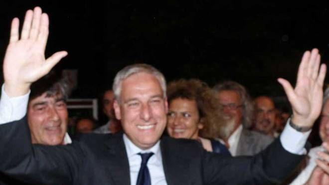 Giorgio Del Ghingaro in festa dopo il successo alle urne