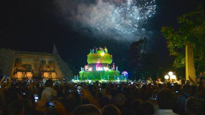 Buon Compleanno Gardaland Una Grande Festa Tra Torta Palloncini E