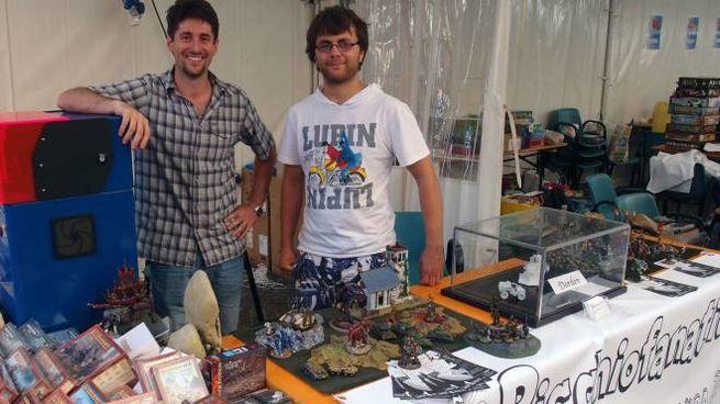 Alcuni degli standisti intervenuti a Castello Games (Foto Isolapress)