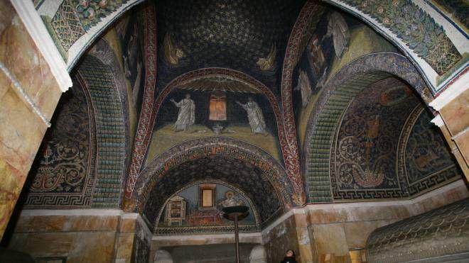 L'interno del Mausoleo di Galla Placidia