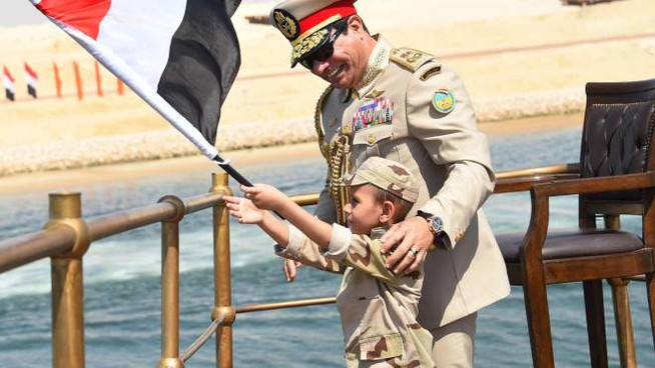 ll presidente egiziano Al Sisi sullo yacht Mahroussa (Ansa)