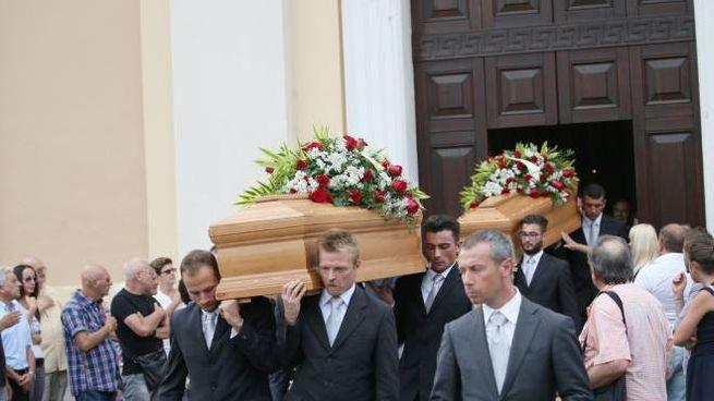 I funerali di Frank e Vanna (Fotolive)