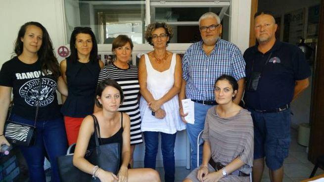 Arci, Uisp, le volontarie dell'associazione Iaia e l'assessore Salvini