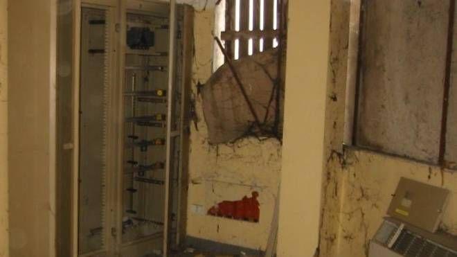 L'interno del carcere incompiuto di Revere