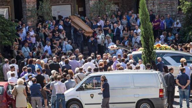I funerali di Donatella e Alice Mugnaini