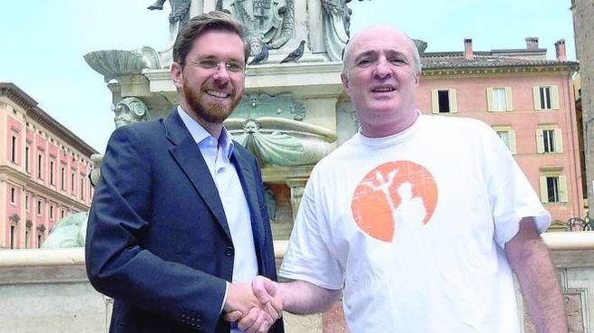 Lepore con Davide De Simoni, gestore di uno dei punti vendita  della gelateria 'Gianni'