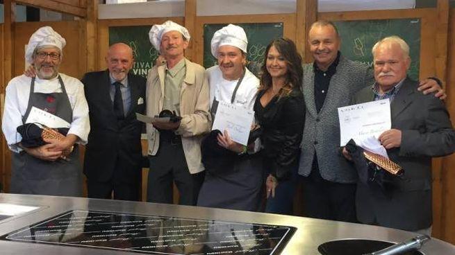 Gli chef che si sono sfidati a 'Chef on the Road', al centro Paolo Dolzan