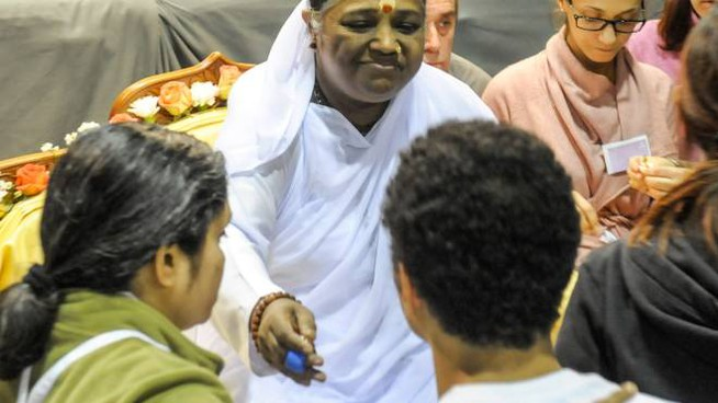 MAHATMA Amma è una  «Mahatma», una guida spirituale