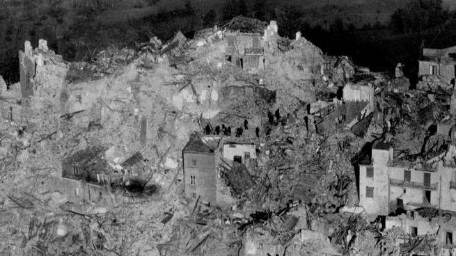 Terremoto Irpinia (Ansa)