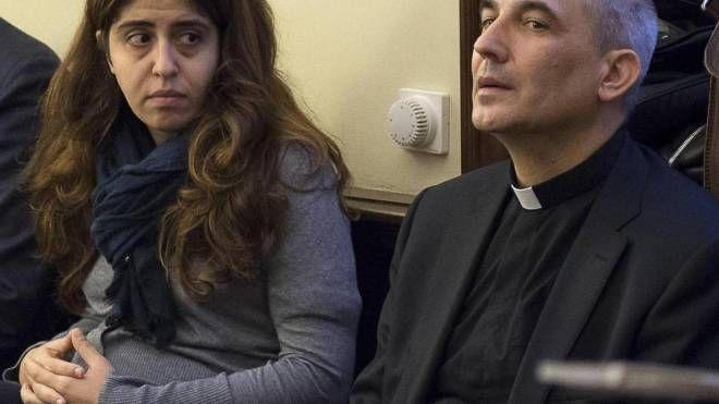 VOCI BOLLENTI La pr Francesca Immacolata Chaouqui e monsignor Balda (Ansa) Matteo e Tiziano Renzi (Olycom)