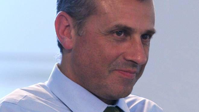 VERTICE  Nel tondo l'amministratore delegato Nicola Pizzoli,  a destra lo stabilimento di Budrio. Sotto il sindaco Pierini