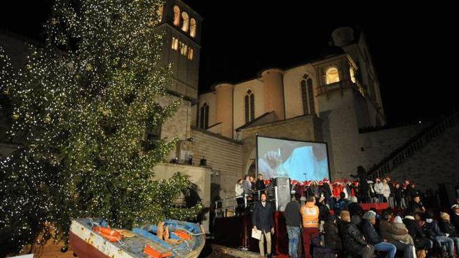 L'accensione dell'albero di Natale ad Assisi alcuni anni fa (foto Crocchioni)