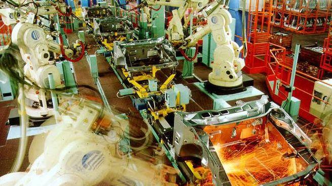Lavoro, produzione (Ansa)
