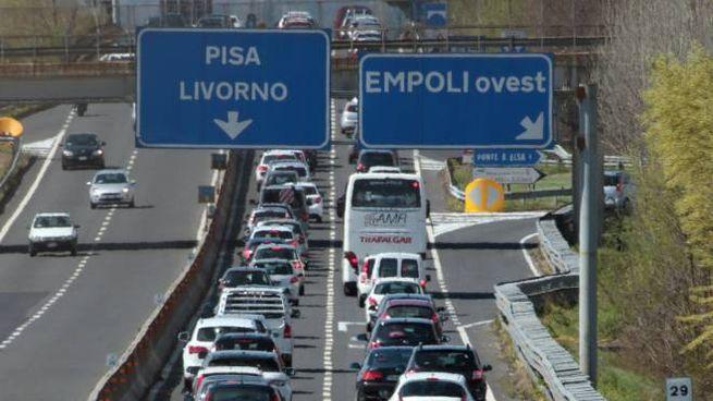 Traffico sulla superstrada Fipili. Foto Germogli