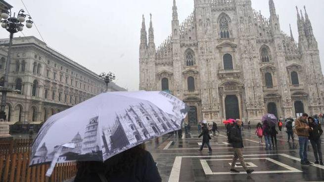 Pioggia su Milano (Newpress)