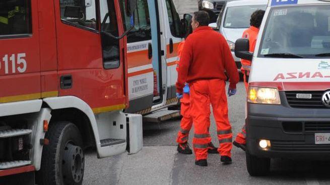 Vigili del fuoco e operatori del 118 (foto d'archivio)