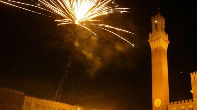 Fuochi d'artificio nella notte del Capodanno senese