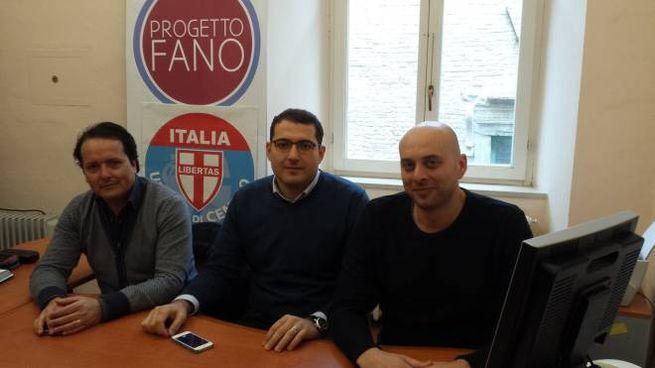 Da sinistra: Davide Delvecchio (Udc), Alberto Santorelli e Aramis Garbatini (Progetto Fano)