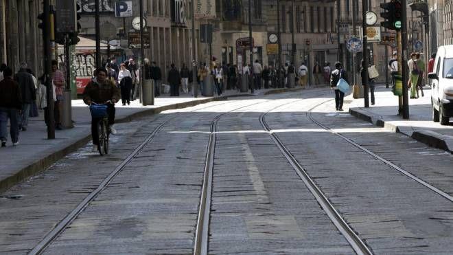 Il mitico pavè in via Torino (Newpress)