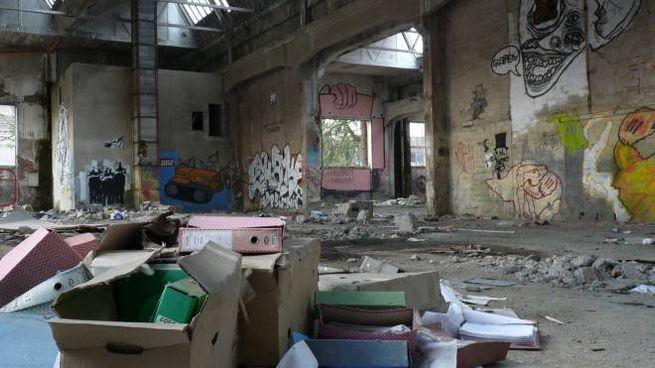 Reggio Emilia, degrado alle ex Officine Reggiane (Foto Tassi)