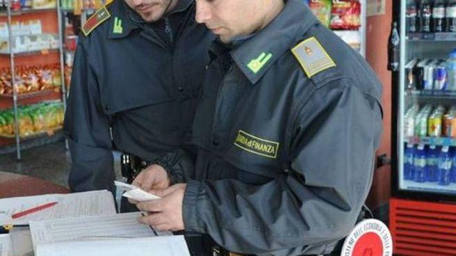 Mantova Scoperti 6 Lavoratori In Nero Uno Percepiva