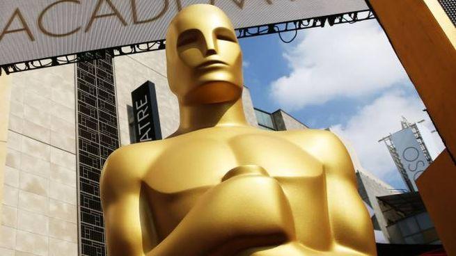 La statua degli Oscar (Ansa)