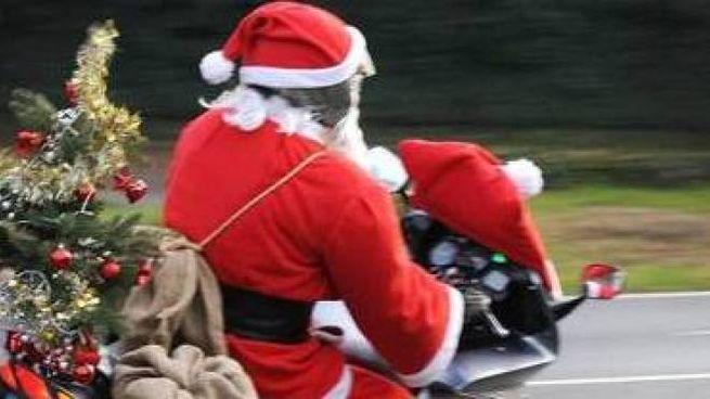 Babbo Natale Ubriaco.Babbo Natale Ubriaco In Moto Fara Lavori Socialmente Utili