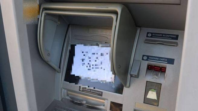 Un bancomat (Foto di repertorio Fantini)